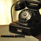 Modelo vintage teléfono fijo