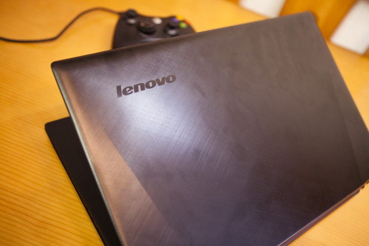 Review Lenovo Y50