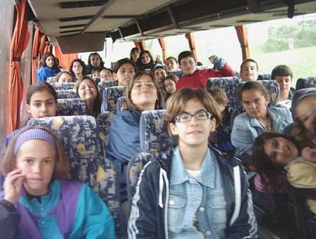 Escolares en un autobus