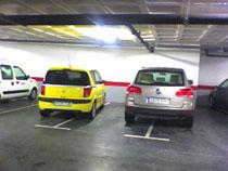 Coches mal aparcados simulando ser un juego de Slot