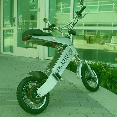 Motocicleta urbana de corte futurista