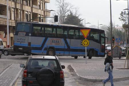 Autobús en rotonda, Torrelavega