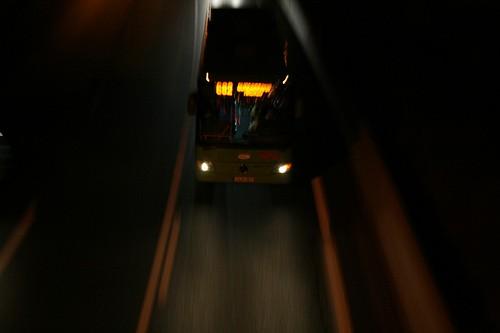 A6 autobus en movimiento
