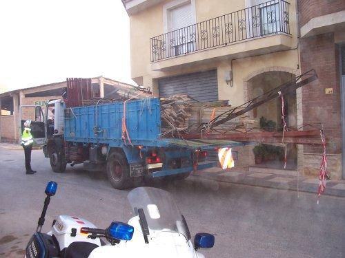 Mossos d'Esquadra dan el alto a un camión