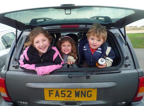 Llevar los niños en el maletero no es una garantía de seguridad vial