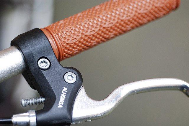 Las bicicletas también están provistas de frenos