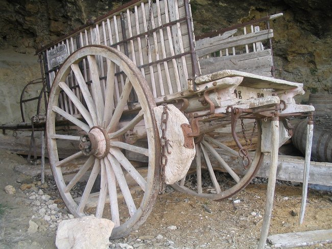 Carruaje con freno de piedra