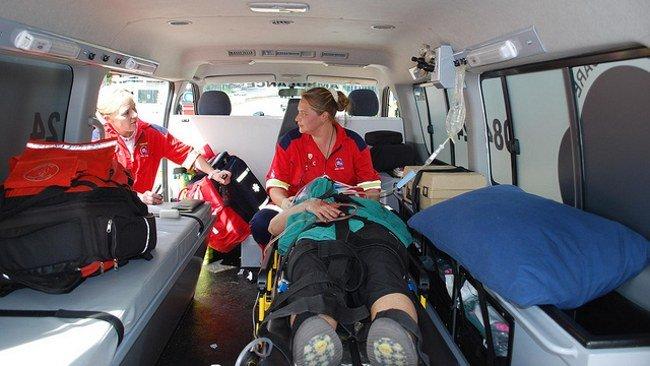 Follando en una ambulancia