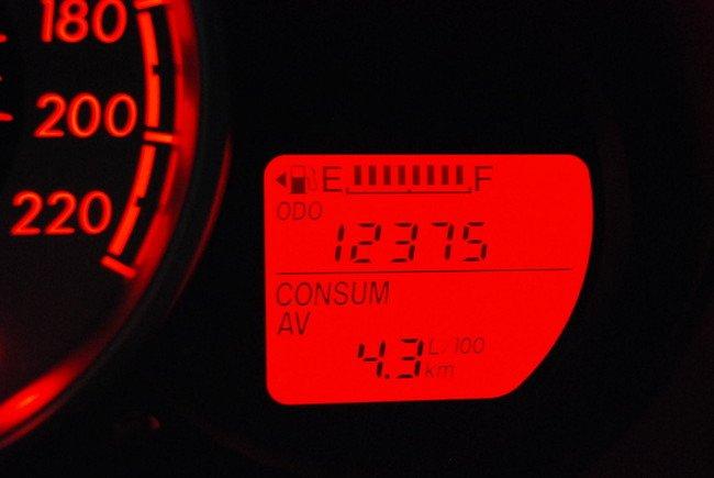 Los combustibles caros hacen mejores conductores