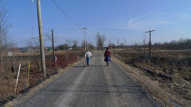 Peatones en la carretera