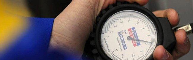 Manómetro para medir la presión de inflado