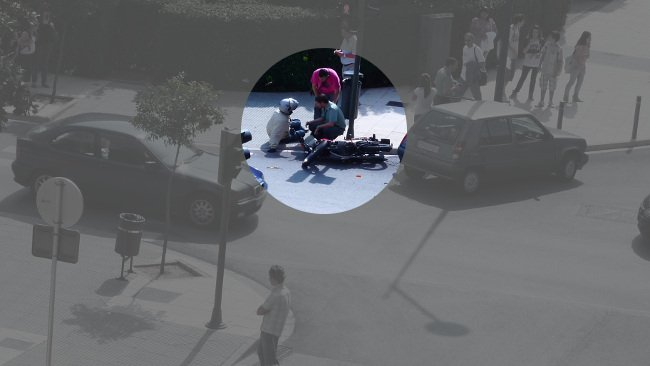Moto y coche implicados en el choque
