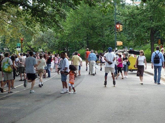 Resultado de imagen para peatones por la calzada