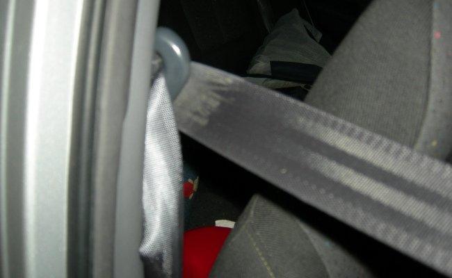 Cinturón de seguridad empleado en un choque