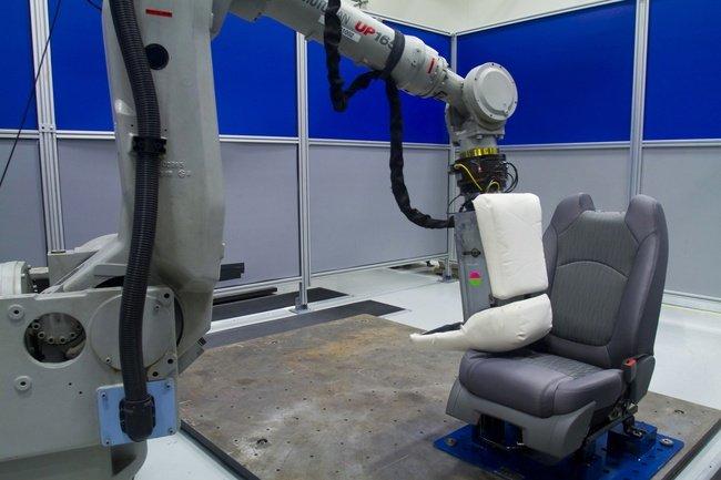 Pruebas de asientos en General Motors