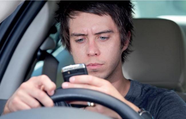 No escribas mientras conduces