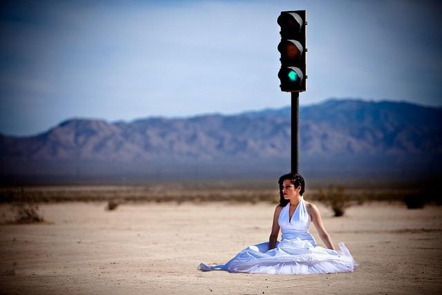 Semáforo en el desierto, sincronizado con la Gran Vía