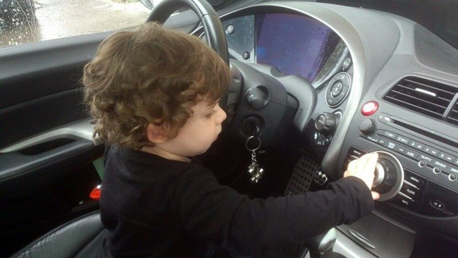 conducir automóviles
