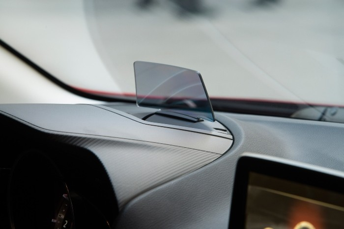 2014-Mazda3-head-up-display