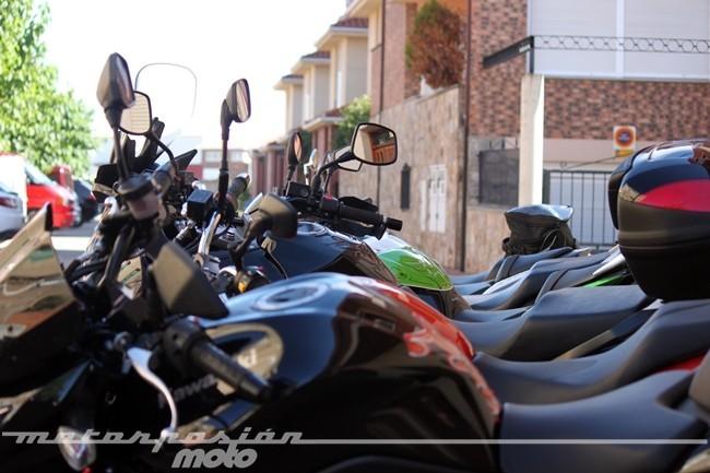 motos_en_la_acera