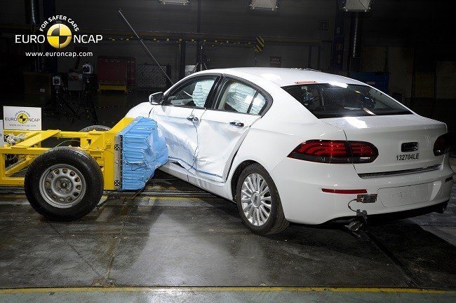 Qoros 3 Sedan Seguridad Crash Test - coches made in china