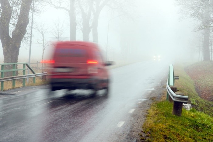 conducir_con_niebla