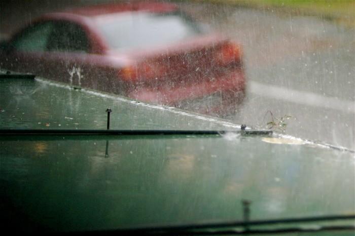 lluvias y tormentas en coche
