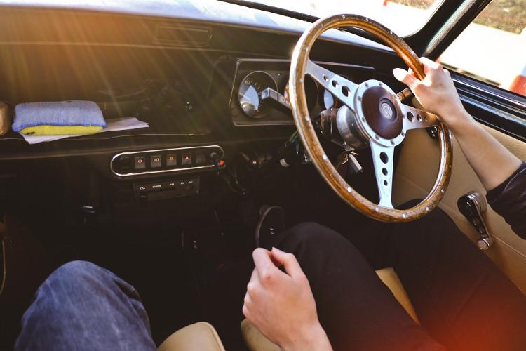 Interior de un coche clásico
