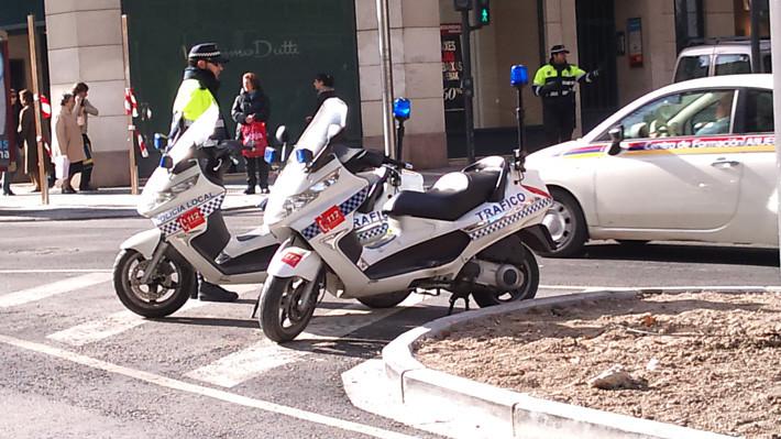 Policia local control tráfico