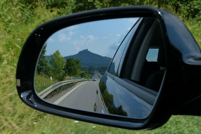 Via de aceleração na auto-estrada