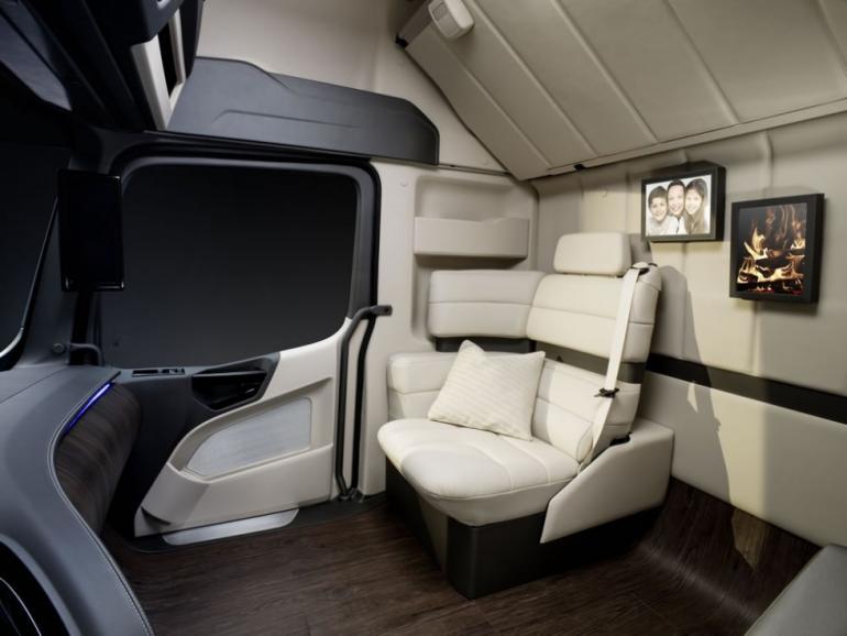 mercedes-benz-future-truck-2025_1