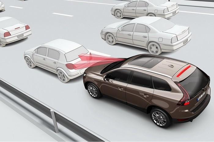 Volvo-City-Safety-1