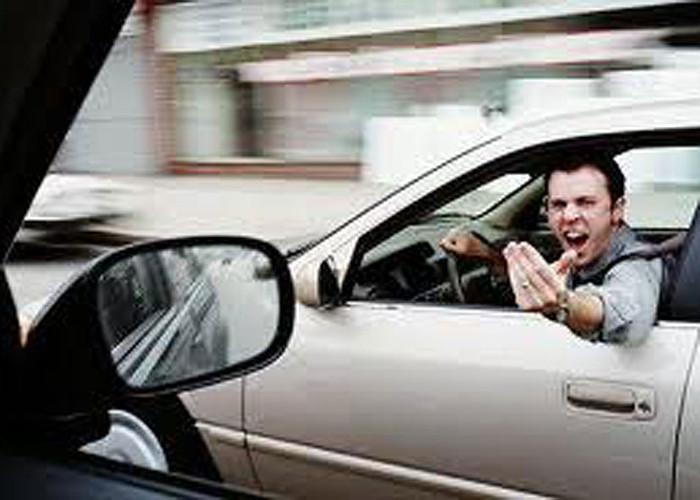 Os veículos de ensino automóvel também são elementos activos no trânsito