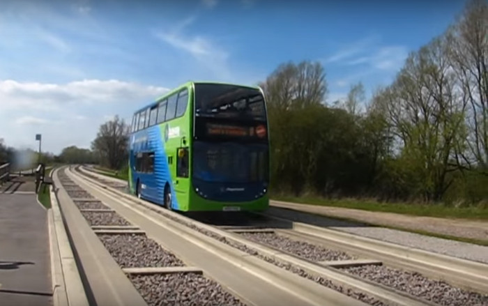 Um sistema de transporte Busway para a antiga linha da beira