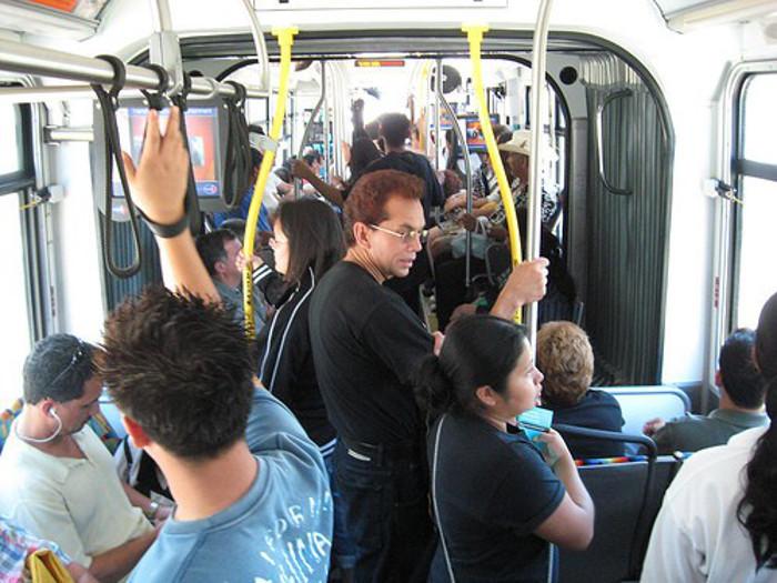 Cinto de segurança nos autocarros é obrigatório?