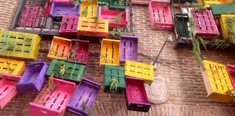 Muebles reciclados decoraci n sostenible - Caja fruta decoracion ...