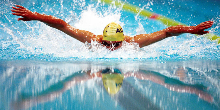 Las mejores piscinas cubiertas de espa a for Piscina escuelas pias