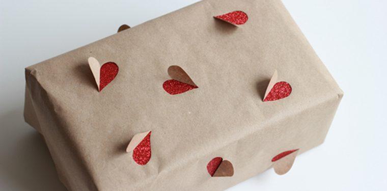 C mo crear tus propios envoltorios reciclados para los regalos - Envoltorios regalos originales ...