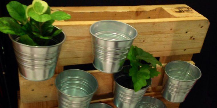 14 materiales y objetos que podemos reciclar en nuestro - Como hacer un huerto urbano ...