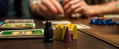 http://img.blogs.es/ennaranja/wp-content/uploads/2014/12/juegos-economia-1-390x160.jpg