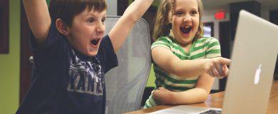 http://img.blogs.es/ennaranja/wp-content/uploads/2015/02/Deberíamos-explicarles-a-nuestros-hijos-cuánto-dinero-ganamos-390x160.jpg