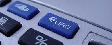 http://img.blogs.es/ennaranja/wp-content/uploads/2015/02/euro_devaluación-390x160.jpg