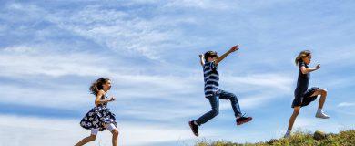 Cómo ahorrar viajando con niñoshttp://img.blogs.es/ennaranja/wp-content/uploads/2015/06/Cómo-ahorrar-viajando-con-niños-390x160.jpg