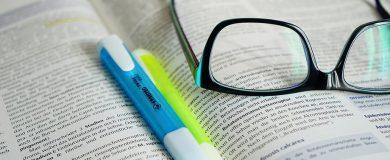 http://img.blogs.es/ennaranja/wp-content/uploads/2015/08/libros-texto-1-390x160.jpg