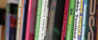 http://img.blogs.es/ennaranja/wp-content/uploads/2015/08/vender-libros-texto-390x160.jpg