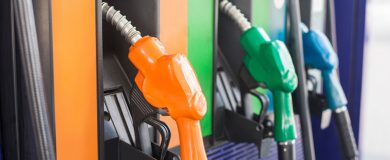 http://img.blogs.es/ennaranja/wp-content/uploads/2015/11/diesel-gasolina-1-390x160.jpg