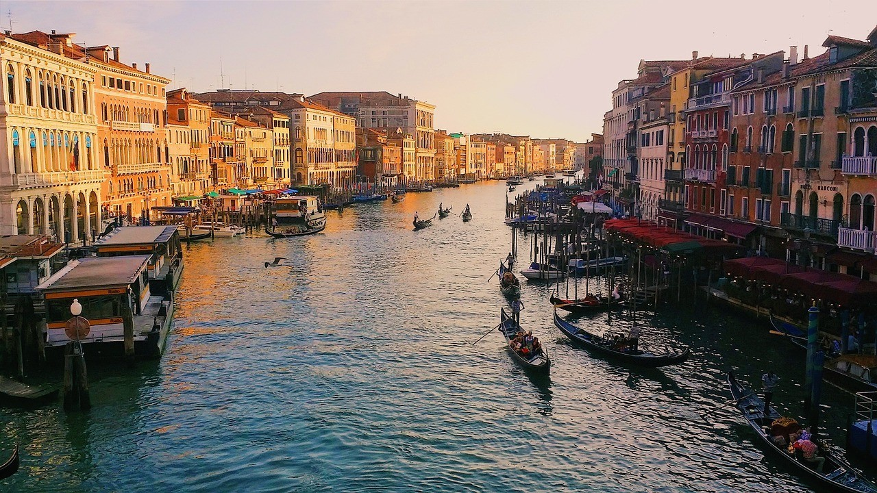 grand-canal-918699_1280