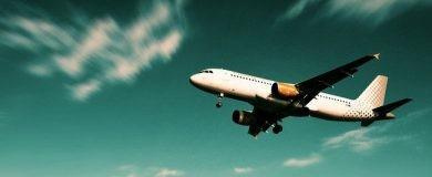 http://img.blogs.es/ennaranja/wp-content/uploads/2016/07/low-cost-vuelos-390x160.jpg