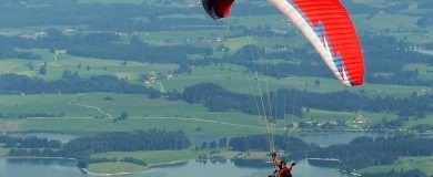 http://img.blogs.es/ennaranja/wp-content/uploads/2016/10/paraglider-1644986_1280-390x160.jpg