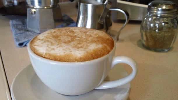 C mo pedir un caf en francia for Taza de cafe con leche